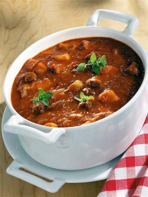 Gulášová polévka od babičky